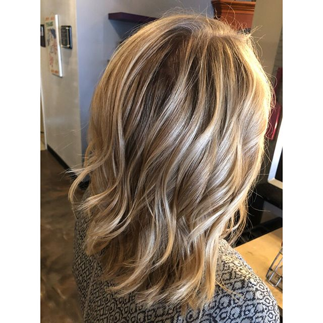 Transitioned my bestie from foil highlights to balayage yesterday and we are in loooove 😍 #balayage #foiltobalayage #balayagehighlights #blonde #blondebalayage #balayagebabe #paulmitchell #balayageblonde #cleveland #clevelandhairstylist #thestudio #thestudiosakon @thestudioohiocity #ohiocity #appointmentsavailable #passion #hair #healthyhair #beautifulhair #lovewhatyoudo #btc #behundthechair #modernsalon #americansalon