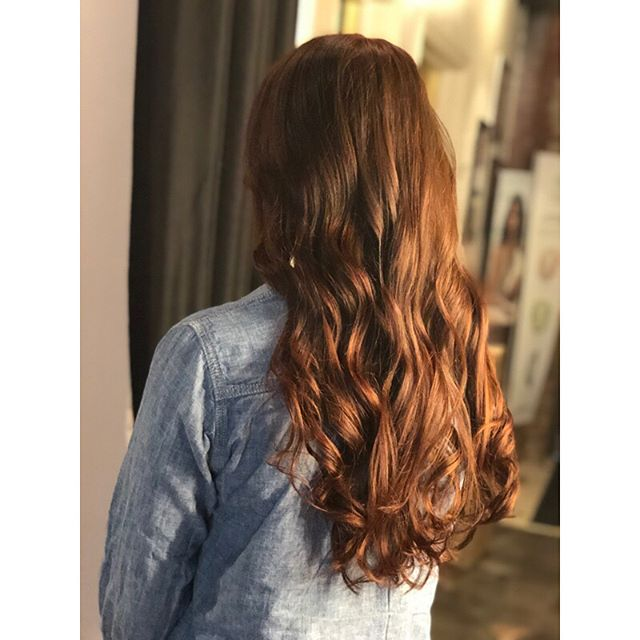 A pretty red brown for lil Amanda from the other day 😍 I have some openings next week, come see me!!! #thestudio #thestudiosalon #thestudioohiocity #cleveland #clevelandhairdresser #redhair #redhead #naturalred #longhair #longhairdontcare #healthyhair #beautifulhair #passion #paulmitchell #paulmitchellcolor #lovewhatyoudo #keepitlocalcle @the.studio.salon