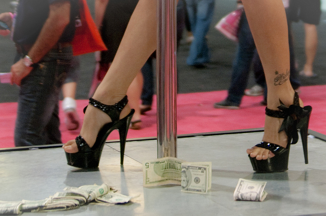 strip club violates fair labor standards act