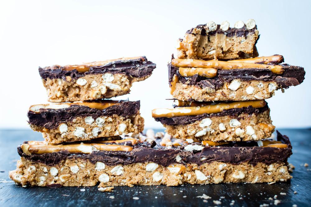 All of It - Vegan Dark Chocolate Peanut Butter Pretzel Pie (NO BAKE!)