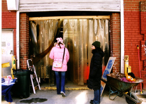 amy-artists-and-fleas-market-entrance-williamsburg-2003