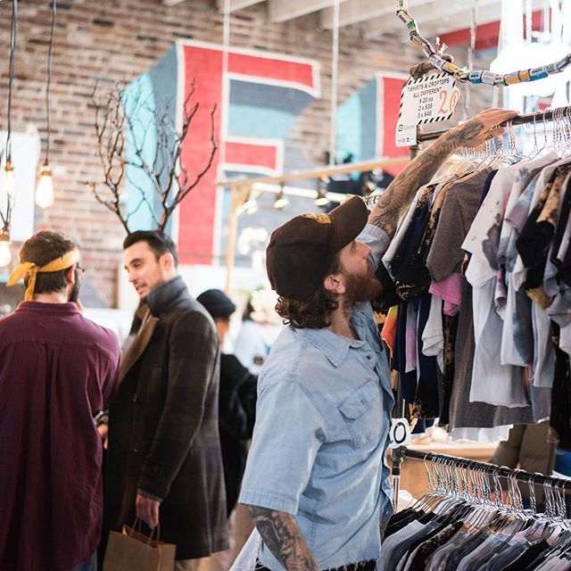 Looking for a job in retail? We've got the hook up! Meet Artists & Fleas Merchants next Wednesday 9/26 at our Job Fair in Soho. Get hands-on retail experience while working in a fun and flexible working environment! Tag a friend who needs to know - link in profile to register and learn more!