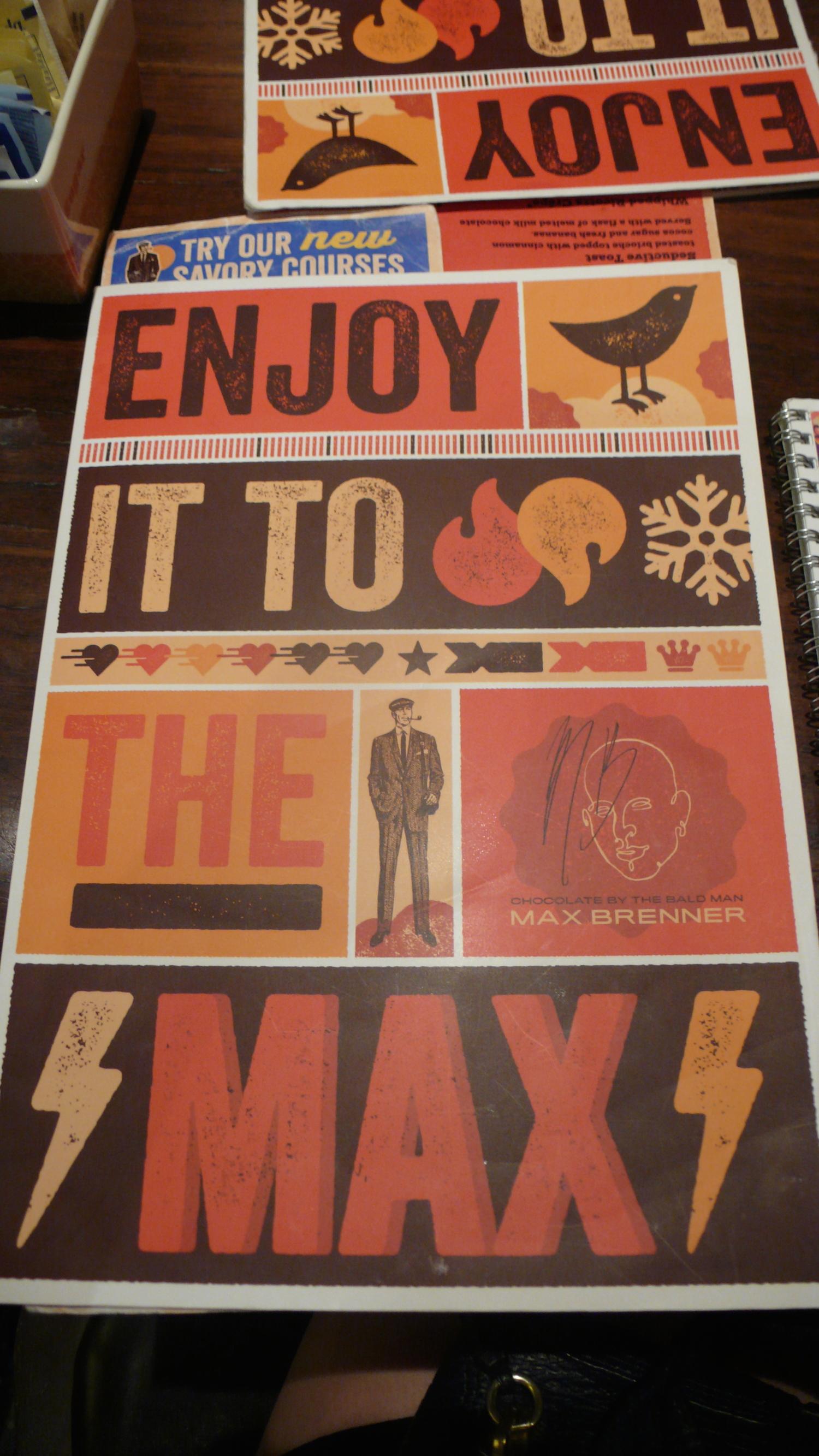 Max Brenner 不只在食物上很有創意 店家的branding也做得非常好 不管是店內裝潢或是菜單都特別設計過 也很有自己的風格