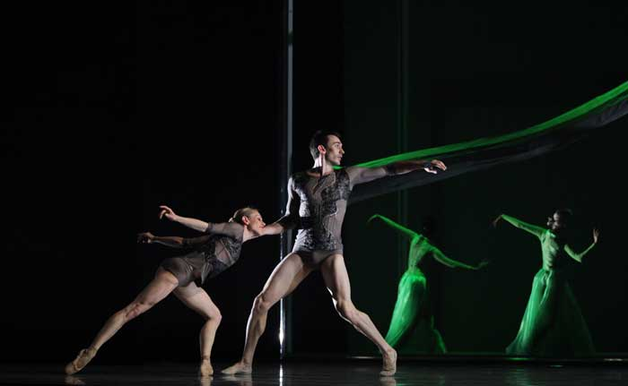"Voice Dance Company , ""Quietly Walking"" 2011"