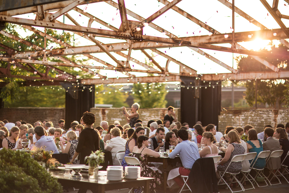 pavillion_with_diners[1].jpg
