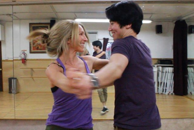 """Working with Sarah and Ed was an awesome experience! They took on the challenge of learning a reenactment of the classic """"Time of My Life"""" from Dirty Dancing - and with very little dance background. - This couple stepped up to the plate! They worked so hard in rehearsals and made INCREDIBLE progress from day one to the big performance. We couldn't be more proud of these two! 🤗🥂⭐️ - #rocktheparty #wedding #firstdance #bride #groom #dance #choreography #weddingday #weddingphotography #coolfirstdance #uniqueweddingdance #weddingplanner #eventplanner #jennyandjanet #jenandjans #jnj #jennykita #janetlanger #performance #ipreview @preview.app"""