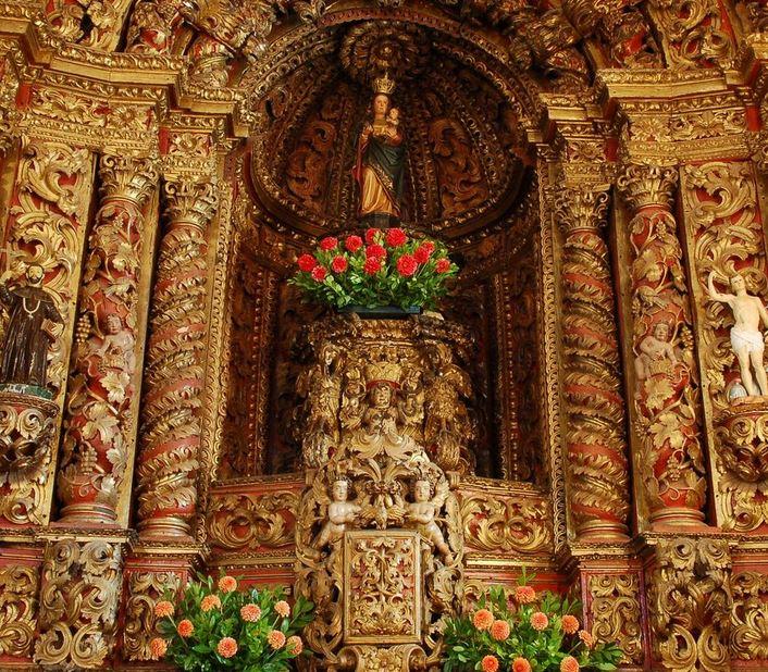 Interior da Igreja Matriz de Treixedo