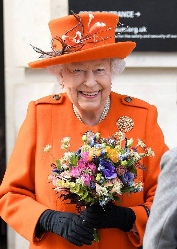 Queen-Elizabeth-1771348.jpg