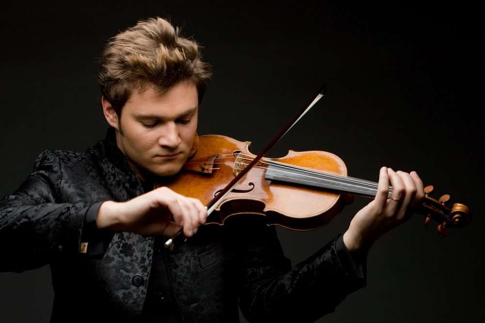 Canadian violin superstar Alexandre da Costa