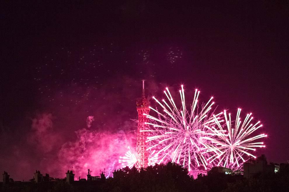 ry_blog_0061_parisfireworks_00.jpg