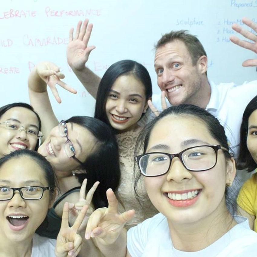 blog_eiy_group.jpg