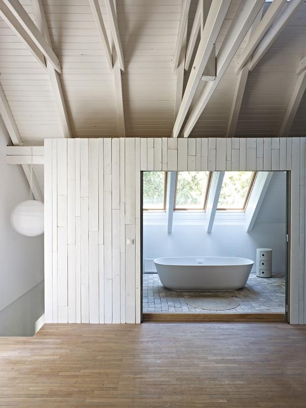BAR_interior2_003.jpg