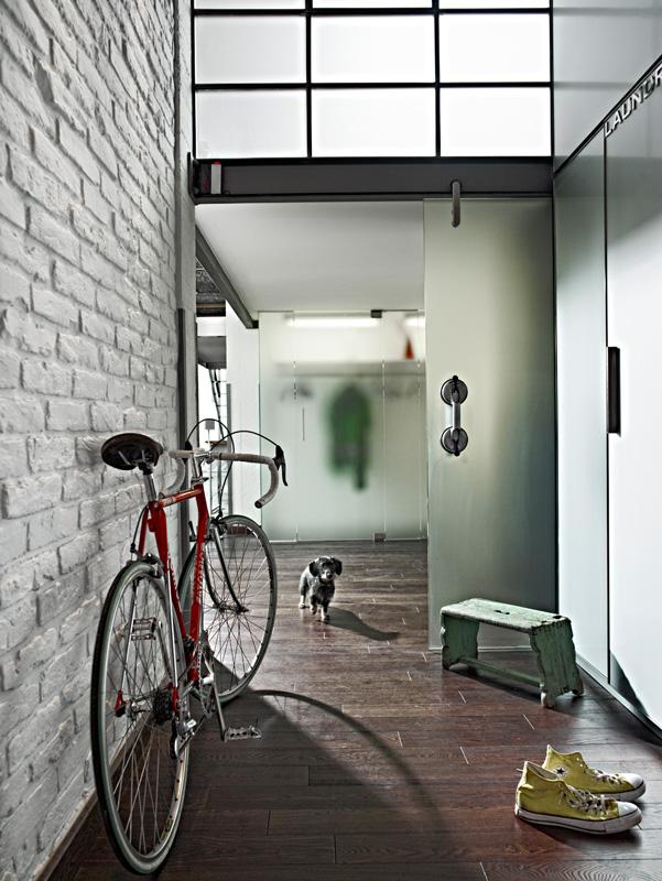 BAR_interior1_025.jpg