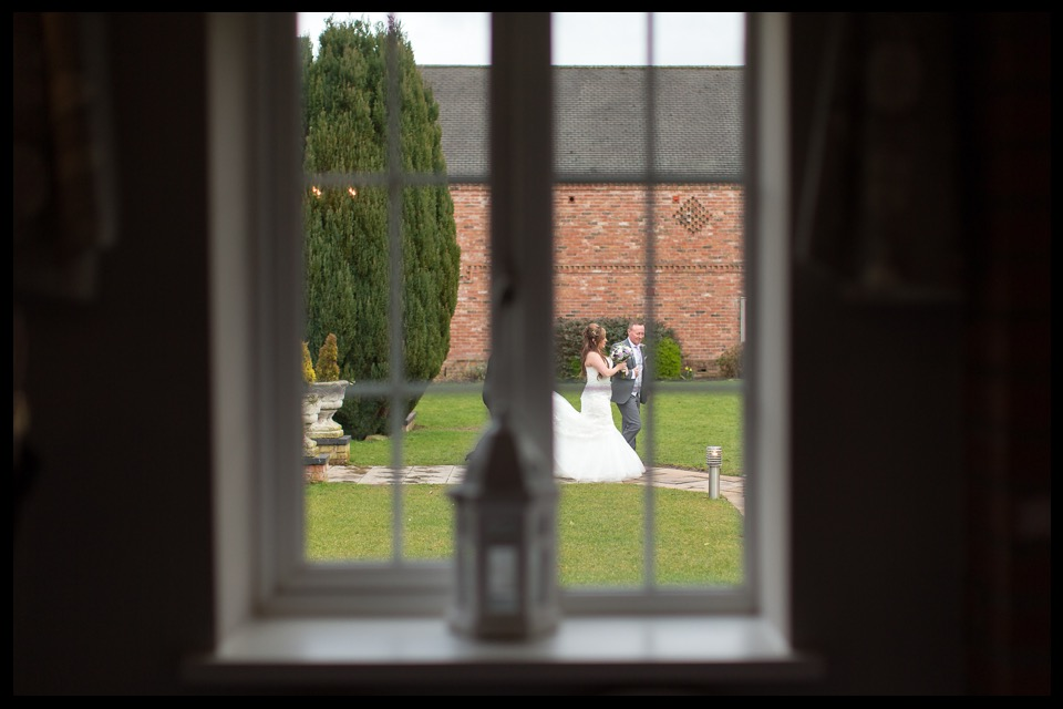 wedding photographer stoke on trent staffordshire cheshire slaters baldwins gate 7.jpg