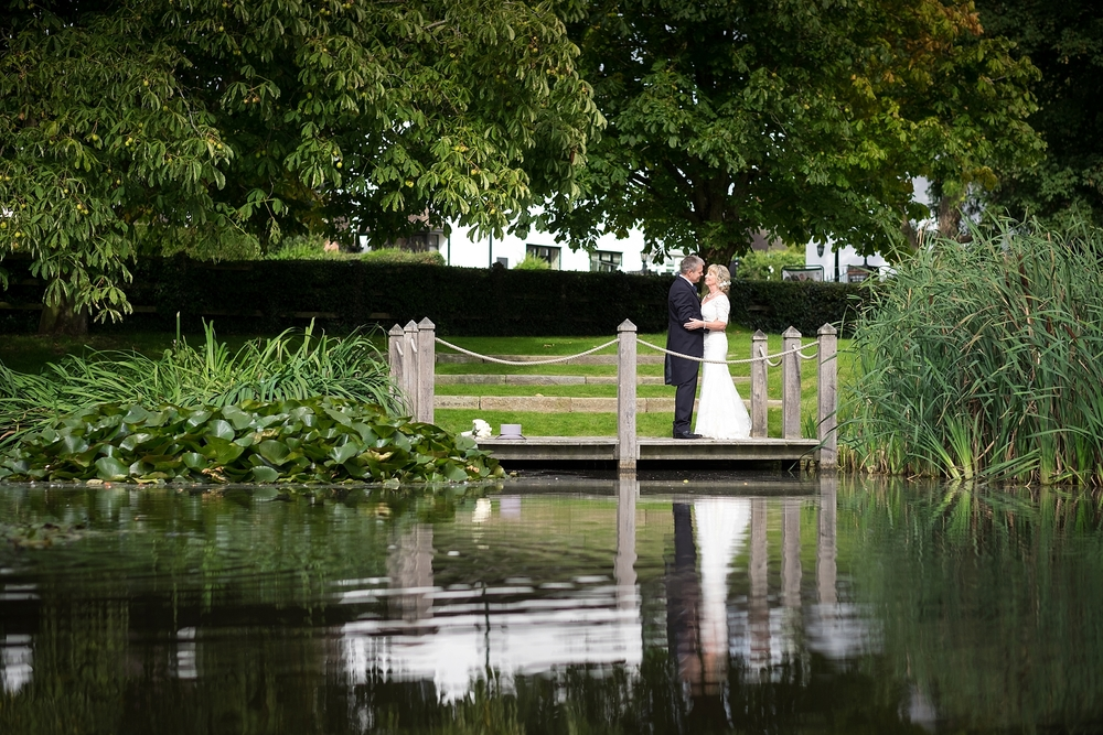 wedding photographer stoke on trent moat house acton trussell stafford 4.jpg