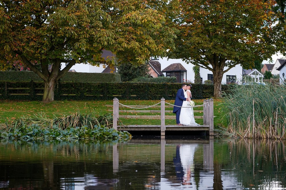 wedding photographer moat house acton trussell 8.jpg