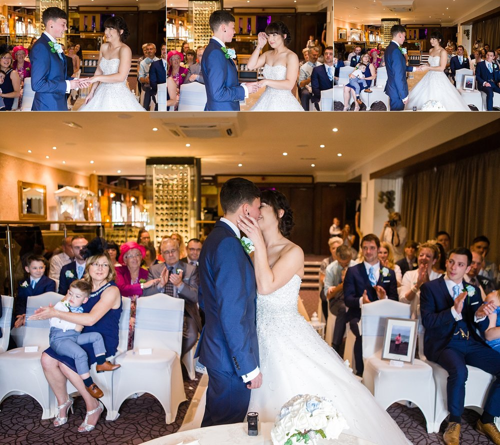 wedding photographer the three horseshoes stoke 12.jpg