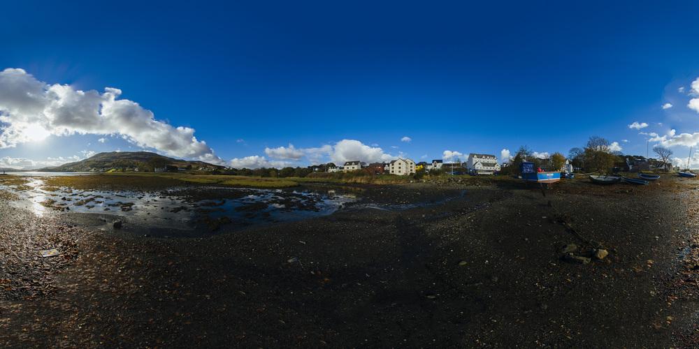 Sunny Boat HDRI equirectangular panorama.