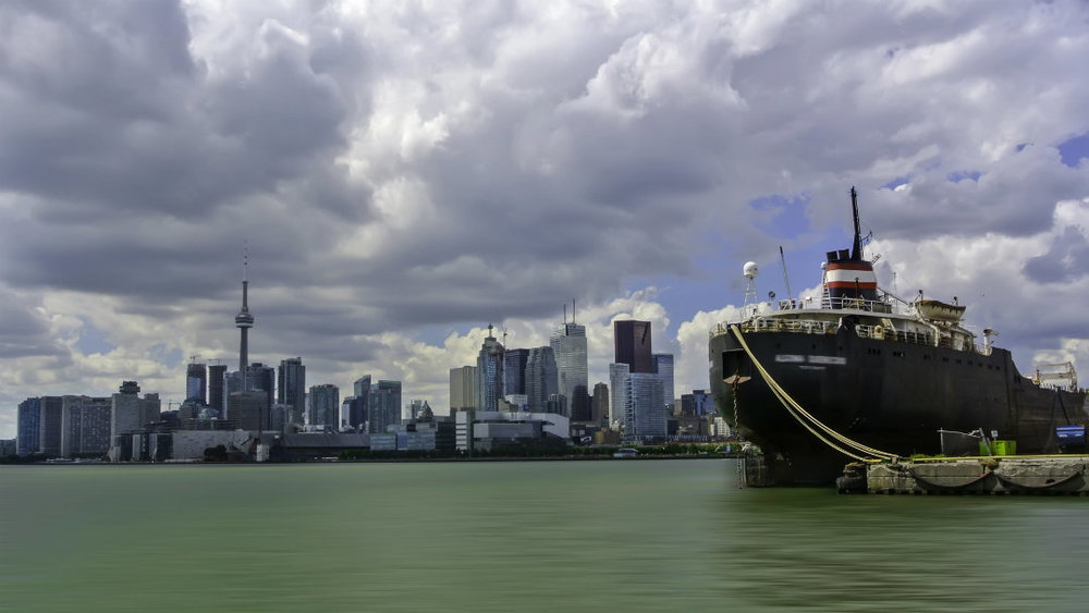 The report found that if 23 per cent of Canadian small businesses exported, they would create 2 million new jobs. (iStock)