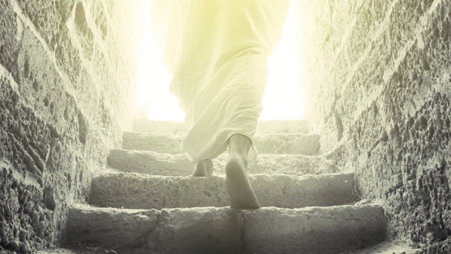 Jesus-Resurrection-Walking-out-of-Tomb-900.jpg