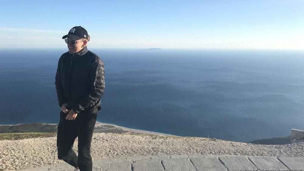 David Reviews: Toby Walsham Looks Familia