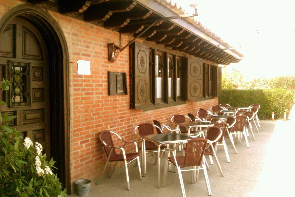 Restaurante Entre Brasas y Sarmiento