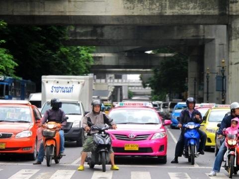 Los coloridos taxis tailandeses.