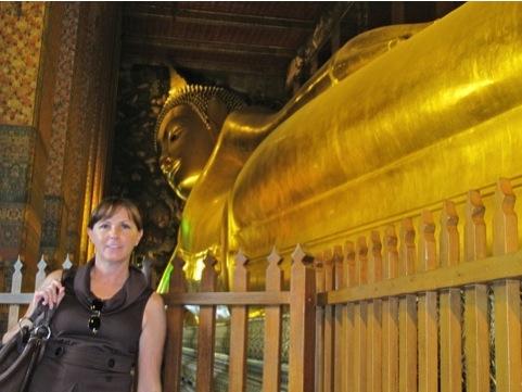 Wat Pho, el buda reclinado, ¡en verdad que la foto no le hace justicia!