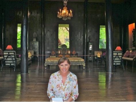 Pilar Pedraza, autora del artículo, en la Casa de Jim Thompson.