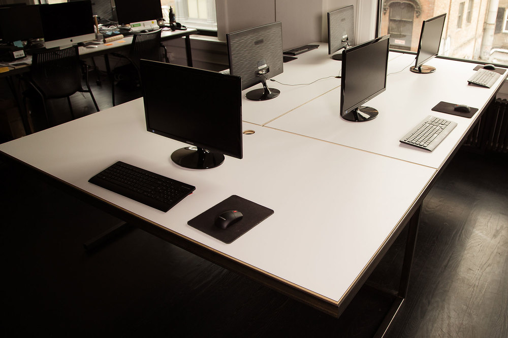 projects_fancy_desks_team_view.jpg