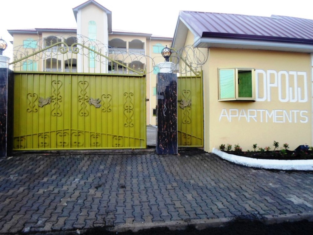 "+233  0 275640874    - Fully Air conditioned, - Fully Furnished Kitchen (Fridge, Stove, dishwasher, Microwave, Coffee Maker etc...) - Fully Furnished Living Rooms - Fully Furnished Bed Rooms with Italian furniture - 65"" LED TVs with Satellite connection - Washer and Dryer - Beautiful swimming pool, - Wireless Internet - Standby Electric Generator - 24 Hours Security - Vehicle Packing Slots for all tenants"