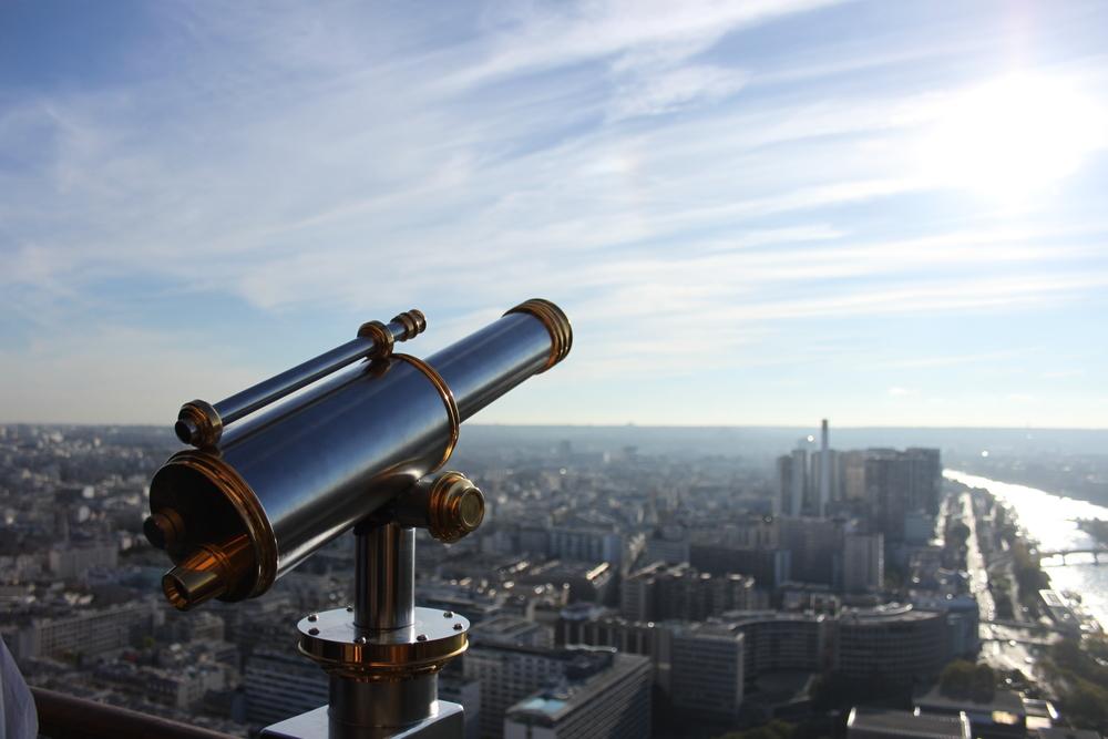 A view of Paris /Anna Hartley