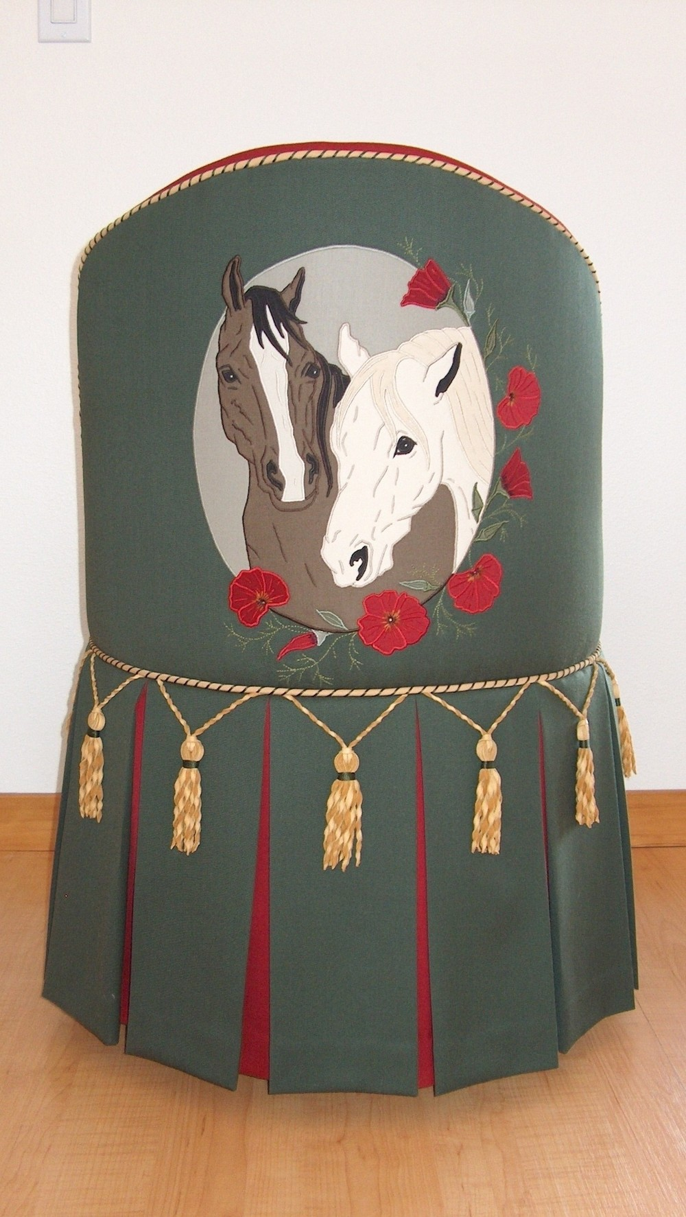 B-CAMEO HORSES SLIPPER CHAIR.jpg