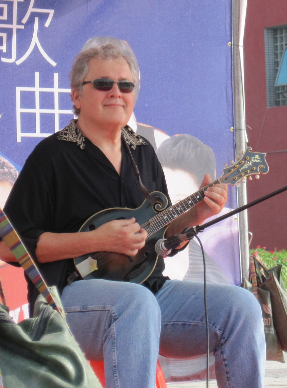 Tony performs in Kaoshuing, Taiwan Photo by Atamo Shakti