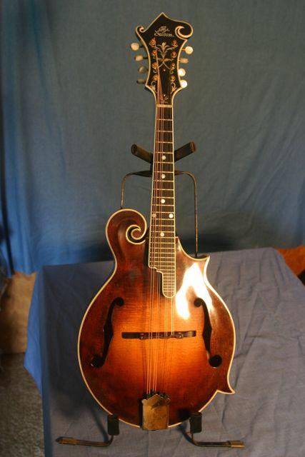 Lloyd Loar Mandolin 87367 front