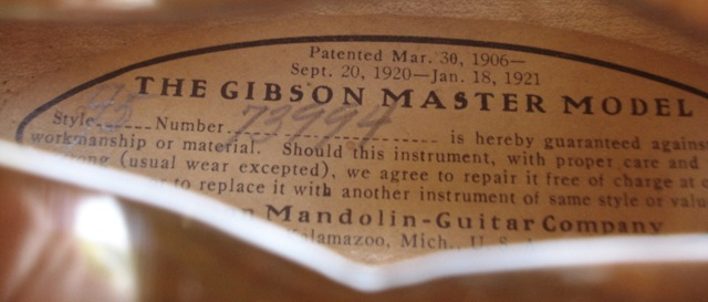 Lloyd Loar Mandolin 73994 label