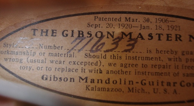 Lloyd Loar Mandolin 71633 signature