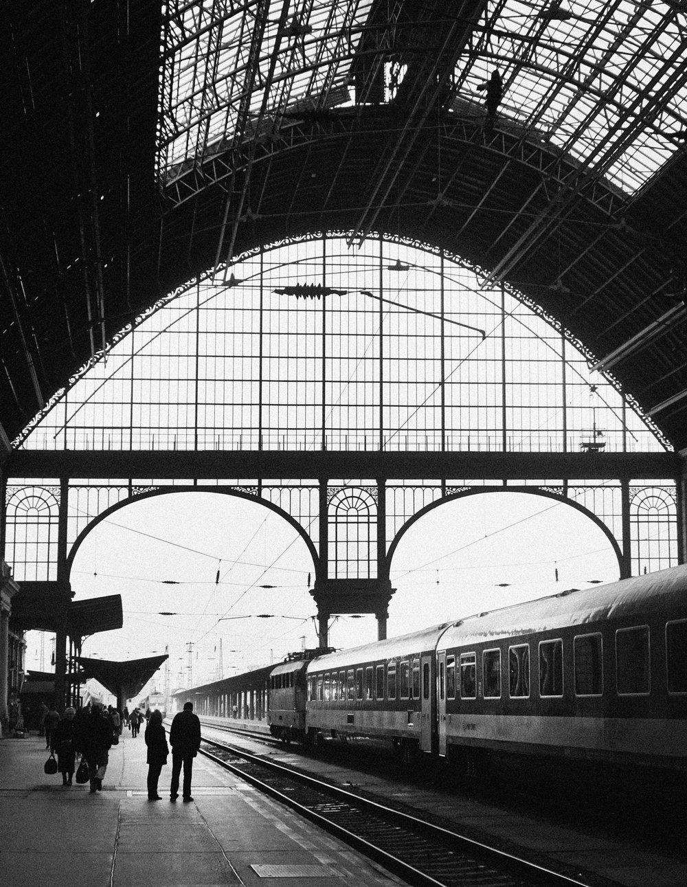 alex-laniosz-budapest-trainstation-2.jpg