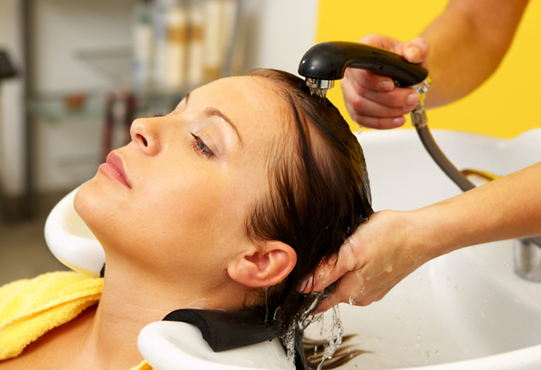 woman-hair-salon-rinse.jpg