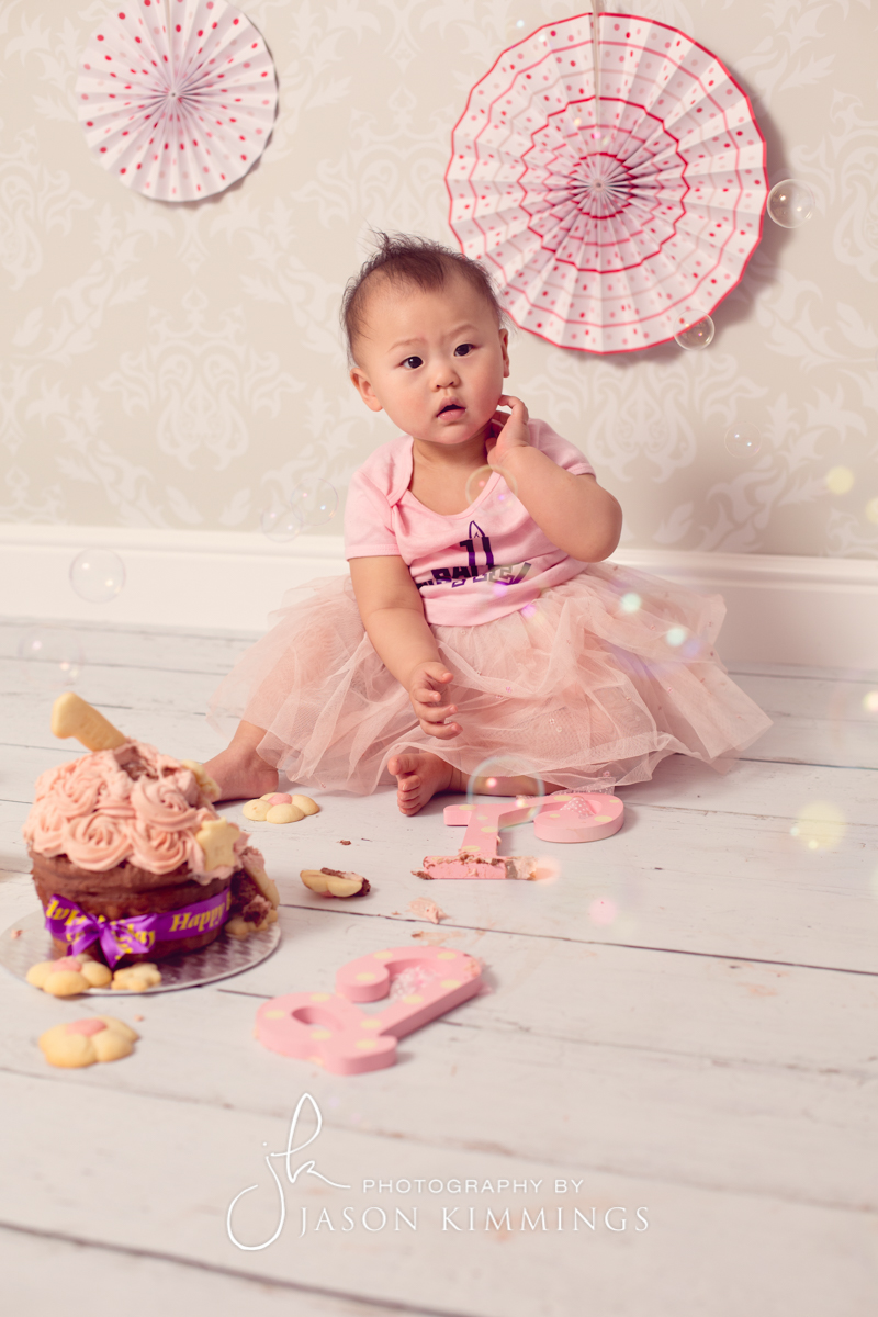 Bathgate-West-Lothian-baby-cake-smash-photography-Kara-3.jpg