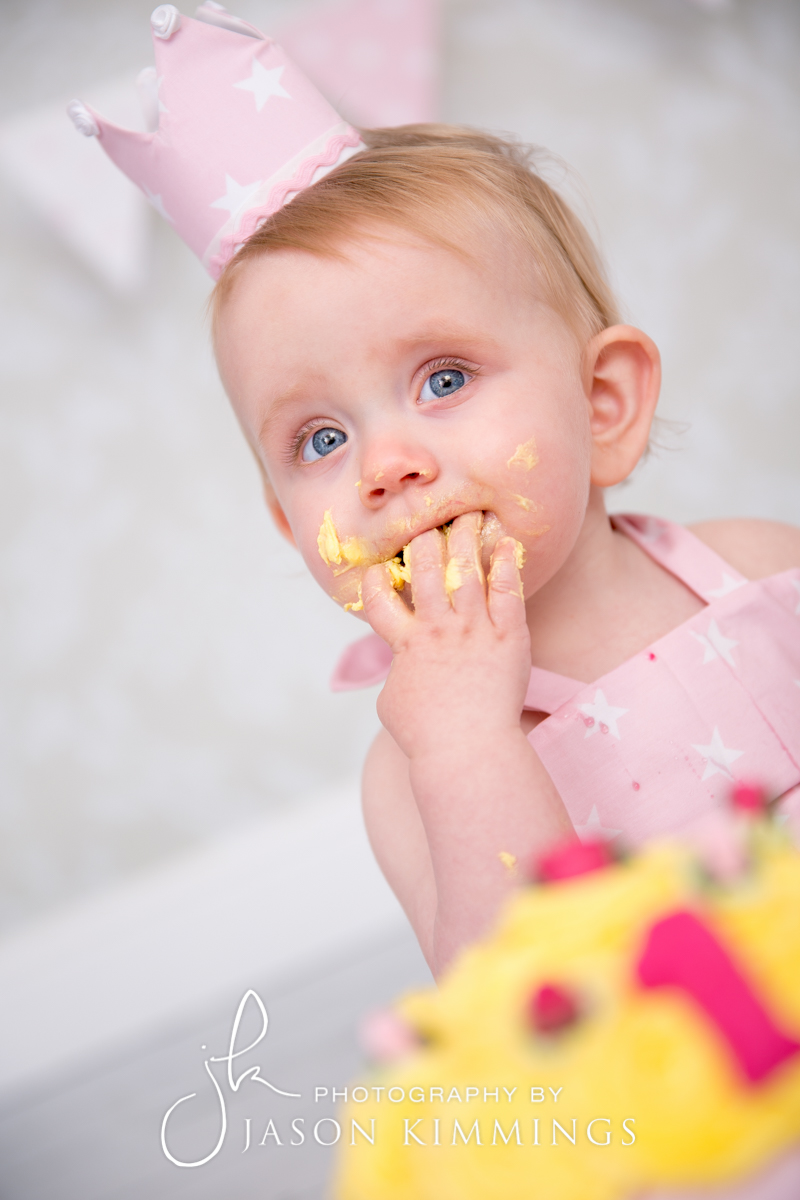 Cake-smash-bathgate-west-lothian-toddler-photography-3.jpg