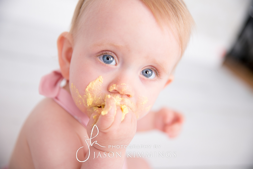 Cake-smash-bathgate-west-lothian-toddler-photography-5.jpg