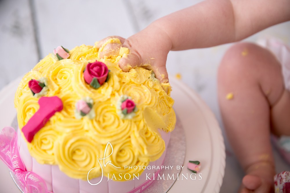 Cake-smash-bathgate-west-lothian-toddler-photography-6.jpg