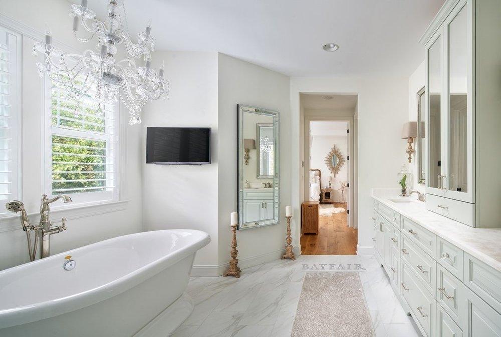 4614 Longfellow-Master Bath.jpg