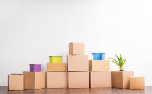 搬家前,可以请搬家公司到府进行估价作业,咨询搬家常识,收费标准,路线、承载物品明细、搬运总金额、物品损坏赔偿或其他等。