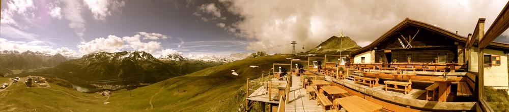 Panorama Alpina Hütte