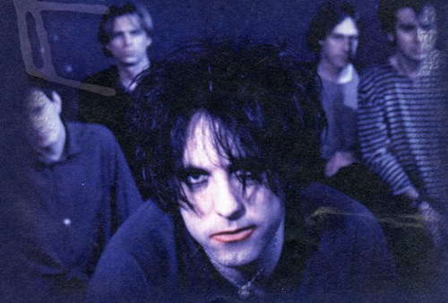 The-Cure-robert-smith-2939273-500-338.jpg