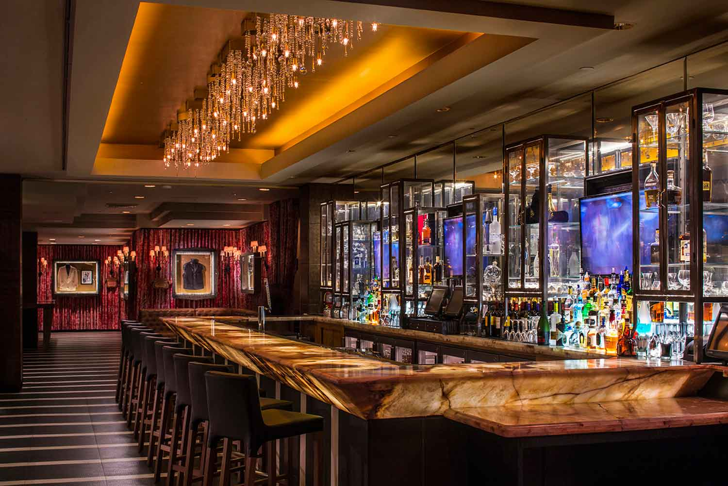 bar design in dubai alegra, lobby lounge at hard rock hotel, palm springs — mister important design, Design ideen