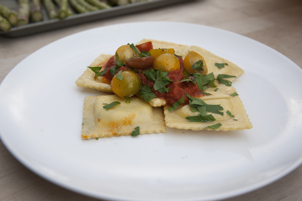 Cut and cook your fresh ravioli for 2-3 minutes in boiling water. Garnish, and enjoy!