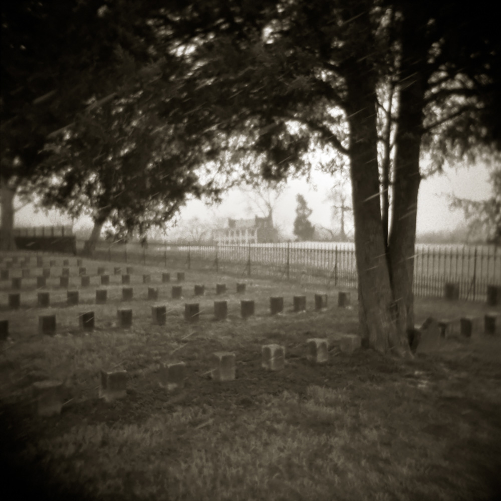 1000pxConfederate GraveYard at Carnton.jpg
